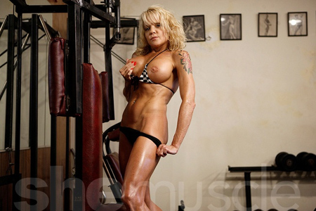 mandy k shemuscle