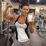 amanda-latona-biceps